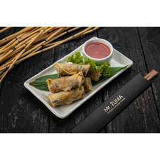 Спрінг-роли з куркою, овочами та солодким соусом чилі
