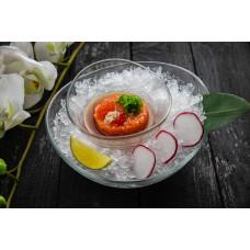 Тар-тар із лосося під соусом юзо-трюфель
