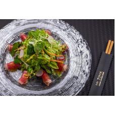 Салат з тунцем та імбирно-соєвим соусом